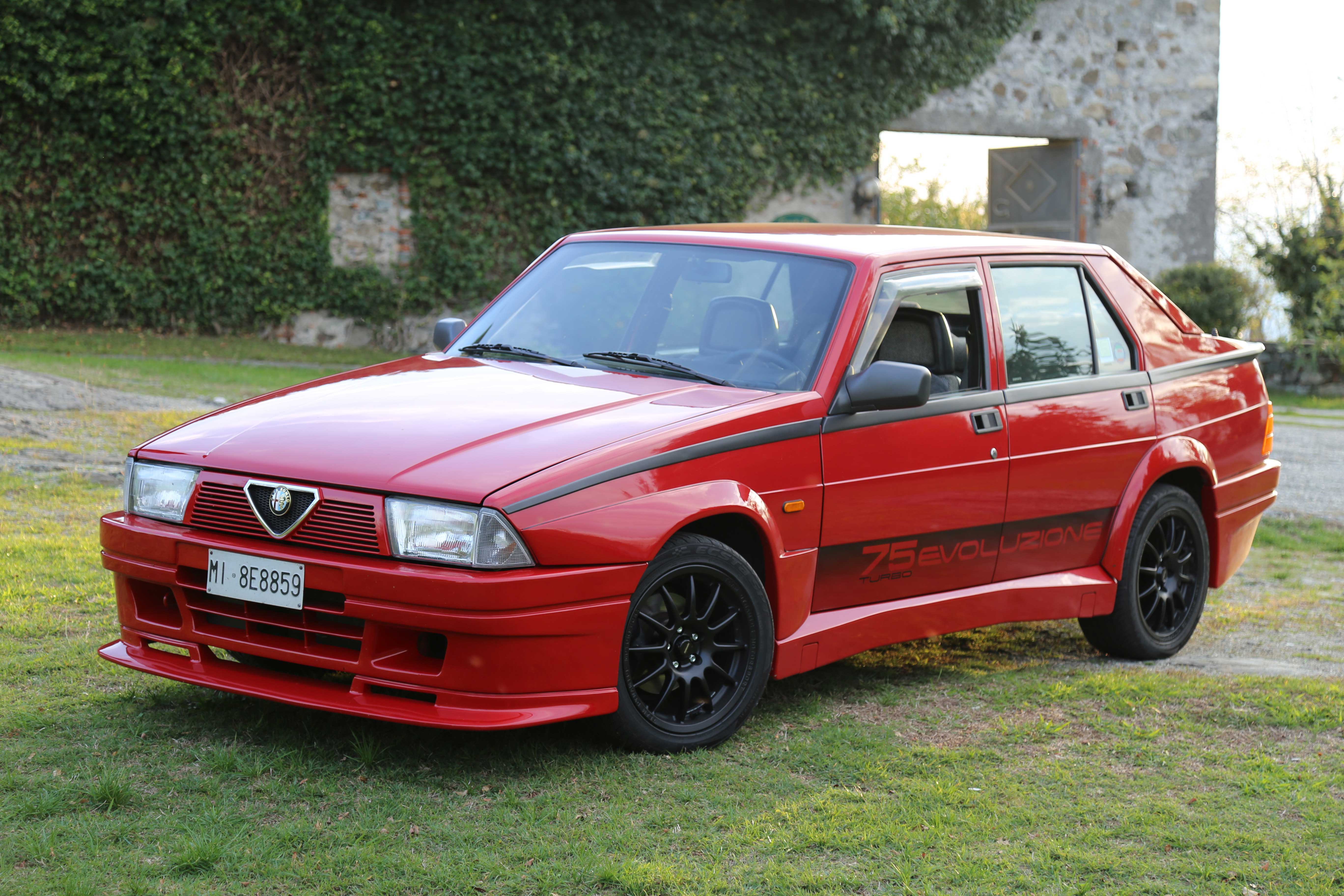 Alfa Romeo 75 Turbo Evoluzione Test Drive Video Davide Cironi