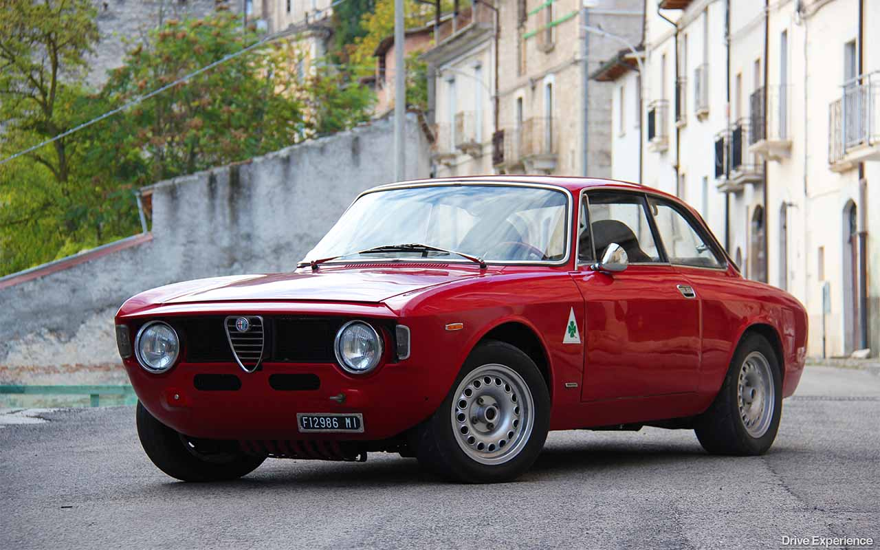 alfa romeo gt junior 1300 vi racconto la mia ex drive experience. Black Bedroom Furniture Sets. Home Design Ideas