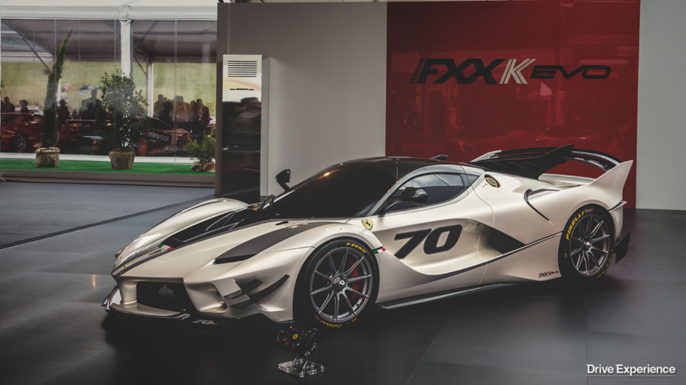 ferrari fxx k evo 12 anni dopo la fxx ce la spiega il suo designer. Black Bedroom Furniture Sets. Home Design Ideas