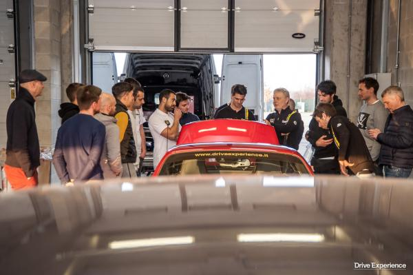 DRIVE EXPERIENCE ACADEMY 5 CORSO-77