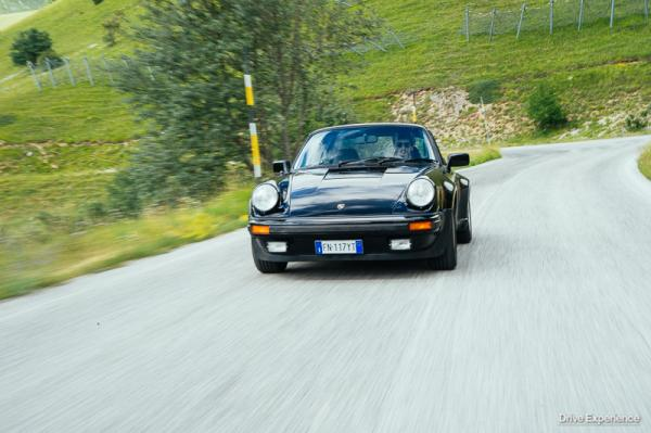 PORSCHE 911 TURBO 4 MARCE (1)